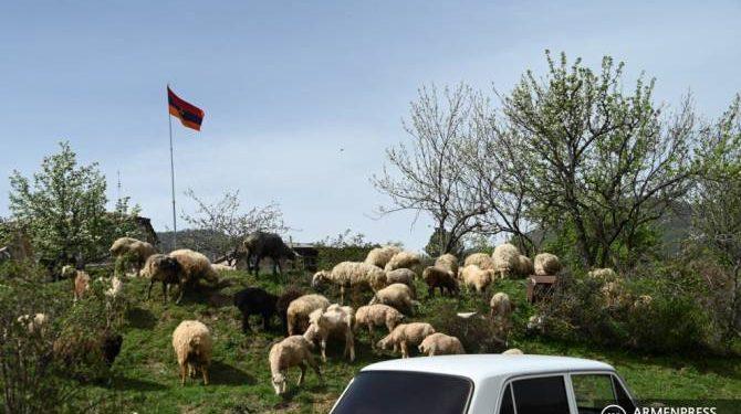 Կապանից ճանապարհը ոստիկանության կողմից փակվել է.Բոլոր քաղաքացիները տարհանվել են՝ ինչպես ՀՀ քաղաքացիները, այնպես էլ օտարերկրյա քաղաքացիները